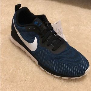 Men's Nike MD Runner 2 size 9 brand new sample